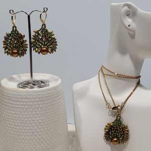 Hand Beaded Jewelry earring/Necklace Set